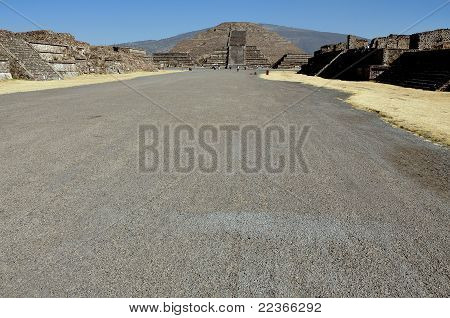 Avenue of the Dead - Teotihuacan