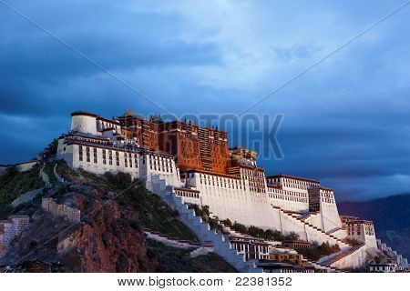 Night Scenes Of Potala Palace