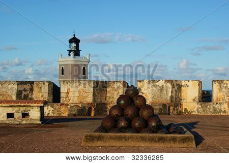 Cannonballs and Fort Lighthouse