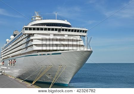 Cruise travel ship