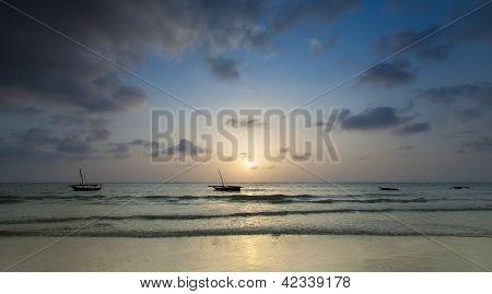 Nascer do sol sobre Zanzibar