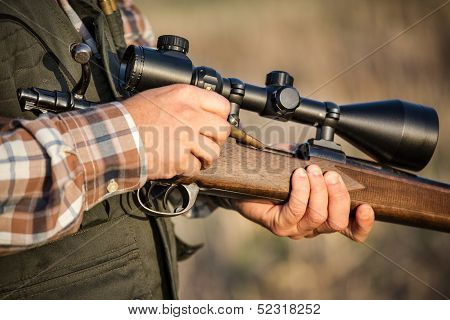 full hunter hunting rifle