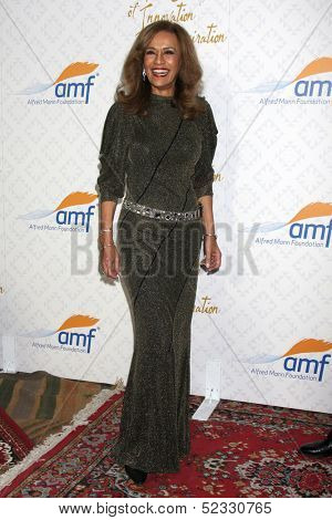 LOS ANGELES - OCT 13:  Marilyn McCoo at the 10th Alfred Mann Foundation Gala at Robinson-May Lot on October 13, 2013 in Beverly Hills, CA