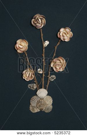 Handicraft: Roses From Seashell