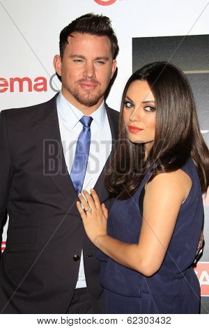 LOS ANGELES - MAR 27:  Channing Tatum, Mila Kunis at the  CinemaCon 2014 - Warners Brothers Photocall at Caesars Palace on March 27, 2014 in Las Vegas, NV