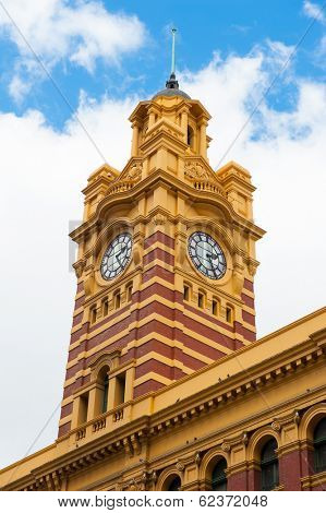 Flinders Street Station is a famous building from 1909 in Melbourne, Australia