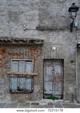 Building In Grado