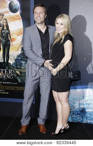 LOS ANGELES - FEB 2: Scott Porter, wife at the 'Jupiter Ascending' Los Angeles Premiere at TCL Chinese Theater on February 2, 2015 in Hollywood, Los Angeles, California