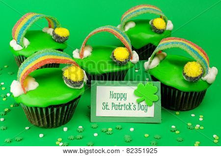St Patricks Day cupcakes with greeting card