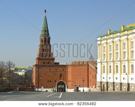 Moscow, Borovitskaya Tower Of Kremlin