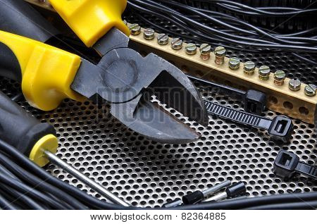 Cutters with electrical component kit