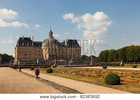 Chateau De Vaux Le Vicomte Ans Its Garden