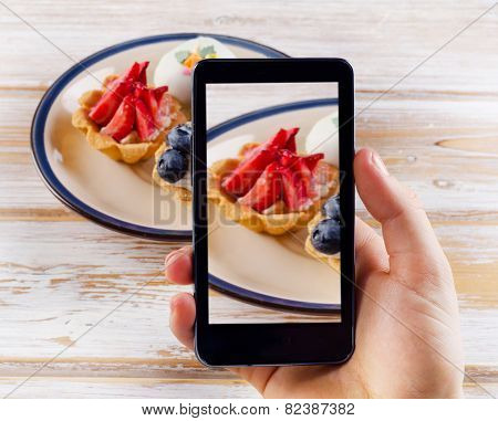 Smartphone Shot Food Photo - Dessert With Fresh Berries