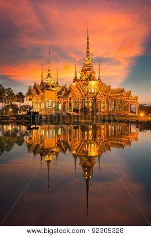 Wat None Kum Thai Temple Unseen