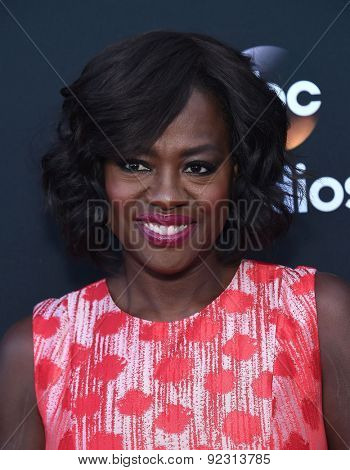 LOS ANGELES - MAY 28:  Viola Davis arrives to the