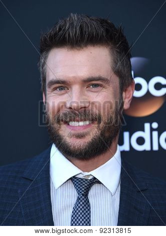 LOS ANGELES - MAY 28:  Charlie Weber arrives to the