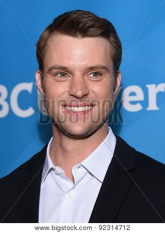 LOS ANGELES - APR 02:  Jesse Spencer arrives to the NBCUniversal's Summer Press Day 2015  on April 02, 2015 in Hollywood, CA