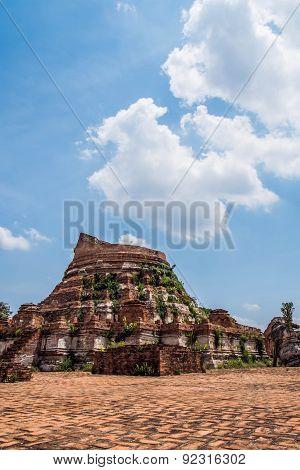 Broken ancient Thai architecture pagoda in Ayutthaya, Thailand