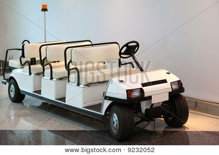 Car For Transfer Passengers In Dubai International Airport