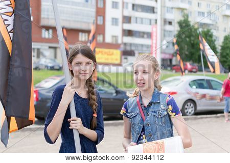 Russian Girls At A Nod Political Meeting In Ufa