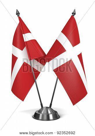 Sovereign Military Order Malta - Miniature Flags.