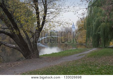 RUSSIA MOSCOW - OCTOBER 14 2014: farmstead Izmailovo fall. Island.