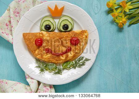 Breakfast for kids - frog princees omelette with vegetables