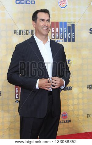 LOS ANGELES - JUN 4:  Rob RIggle at the 10th Annual Guys Choice Awards at the Sony Pictures Studios on June 4, 2016 in Culver City, CA