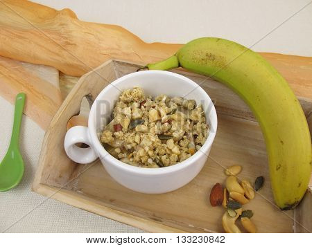 Crumble mug cake with banana and nuts