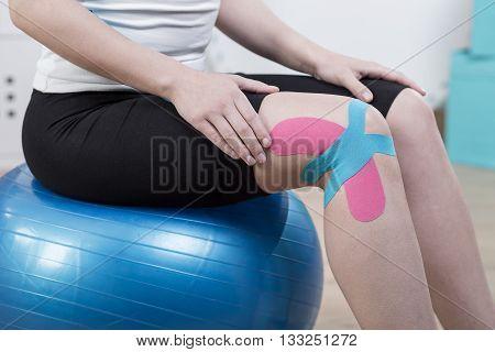 Kinesiology Tapes On Knee