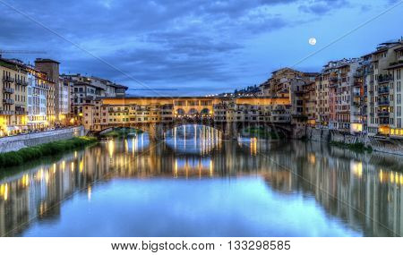 Ponte vecchio by night, Florence or Firenze, Italia
