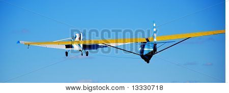 Glider in tow