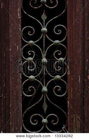 Detalhe de uma porta velha