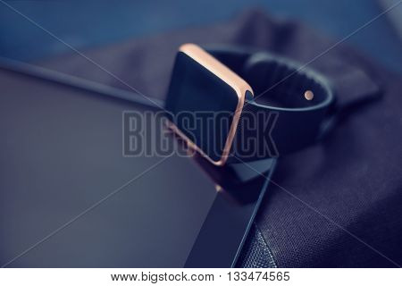 Smart Wrist Watch In A Tablet Pc