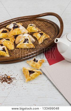 Tea, buns with jam