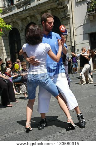 BELGRADE SERBIA-JUN 262011:Young people give public lesson of dance within manifestation Belgradization of Belgrade