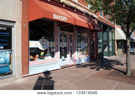 PLAINFIELD, ILLINOIS / UNITED STATES - SEPTEMBER 20, 2015: Milette's Cakes Bakery offers cakes, including wedding cakes and cakes for other special occasions, in downtown Plainfield.