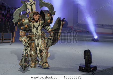 Cosplayer Dressed As Character Crusader Calvin From Game Diablo 3