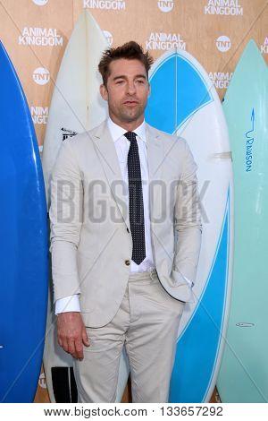LOS ANGELES - JUN 8:  Scott Speedman at the Animal Kingdom Premiere Screening at the The Rose Room on June 8, 2016 in Venice Beach, CA