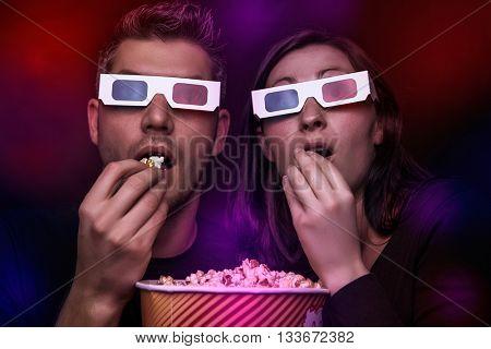watching thriller in 3d