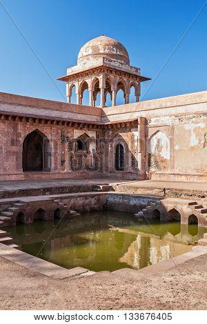 Baz Bahadur Palace