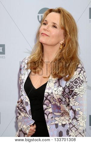 LOS ANGELES - JUN 9:  Lea Thompson at the American Film Institute 44th Life Achievement Award Gala Tribute to John Williams at the Dolby Theater on June 9, 2016 in Los Angeles, CA