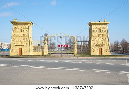 SAINT PETERSBURG, RUSSIA - APRIL 17, 2016: Egyptian gates at Tsarskoye Selo, april day. Historical landmark of the city Saint Petersburg
