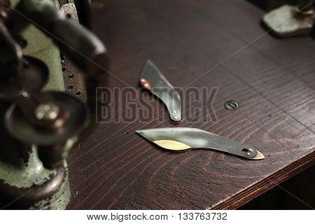 Cobbler's knife . Knife for leather .