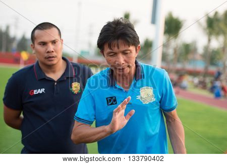 HUAHIN THAILAND-FEB62016 : Dusit Chaleamsean head coach of prachuap fc in action during friendly match pre-season during prachuap fc vs ratchaburi mitr pol fc at true arena huahin thailand