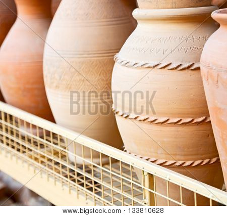 In Oman     Muscat The Old Pottery    Market Sale Manufacturing Container