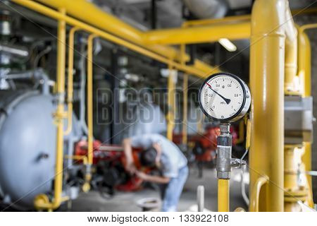Gas pressure measuring device - the gas gauge i a boiler-house