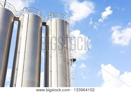 Industrial Silos For Refinery