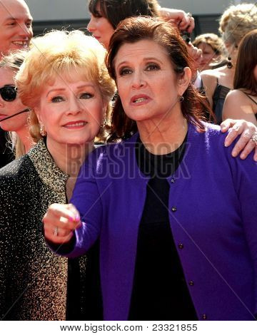 LOS ANGELES - SEP 10:  Debbie Reynolds, Carrie Fisher arriving at the Creative Arts Emmys 2011 at Nokia Theater  on September 10, 2011 in Los Angeles, CA