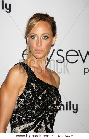 LOS ANGELES - SEP 10:  Kim Raver arriving at the 2011 Pink Party at Drai's - W Hollywood on September 10, 2011 in Los Angeles, CA